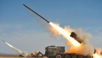 Yemen ordusu ve halk güçlerinden Suudi işbirlikçilerinin mevzilerine füze saldırısı