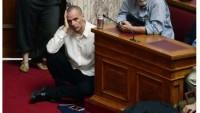 Yunanistan Maliye Bakanı İstifa Etti