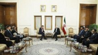 Cevad Zarif: İran, Suriye ve Yemen halkının acılarını hafifletmeye çalışıyor